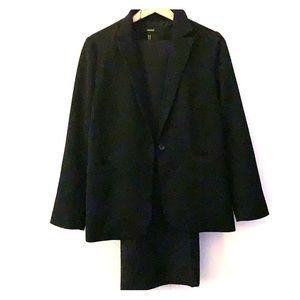 Forever 21 black suit jacket and pants set-M